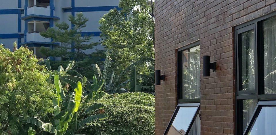 brick-facade-house-00001