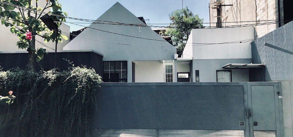 house-for-3-grandmas-00002